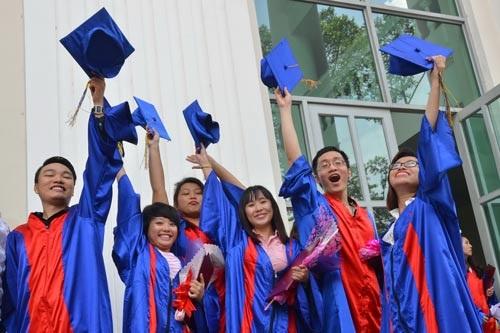 Niềm vui tốt nghiệp của sinh viên Trường ĐH Sư phạm TP HCM Ảnh: TẤN THẠNH