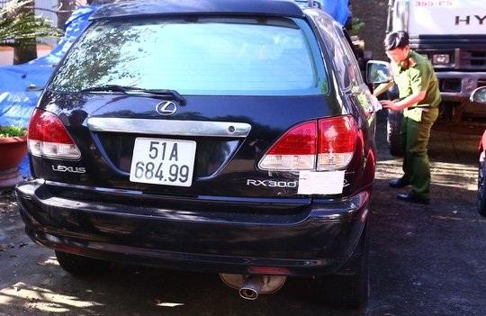 """Đại gia Việt đi ôtô sang biển giả: """"Đẳng cấp"""" trốn thuế, """"tự hào"""" xe gian - 1"""