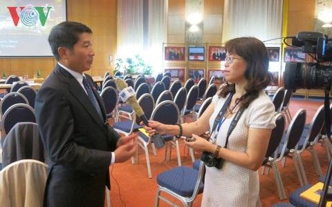 Đại sứ đặc mệnh toàn quyền Việt Nam tại Hungary, Nguyễn Thanh Tuấn trả lời phỏng vấn phóng viên VOV.