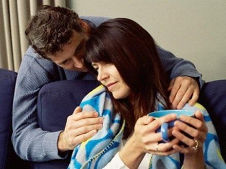 Ốm nặng, chồng buộc phải thú nhận có con trai riêng - 1