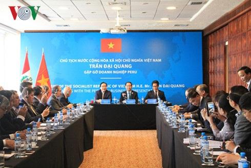 Chủ tịch nước Trần Đại Quang gặp gỡ doanh nghiệp Peru.
