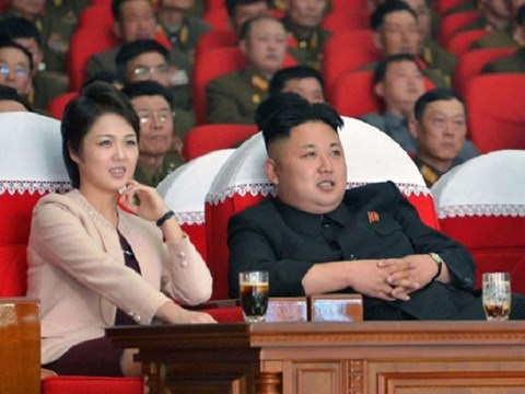 Ông Kim Jong-Un và vợ trong một sự kiện tại Bình Nhưỡng