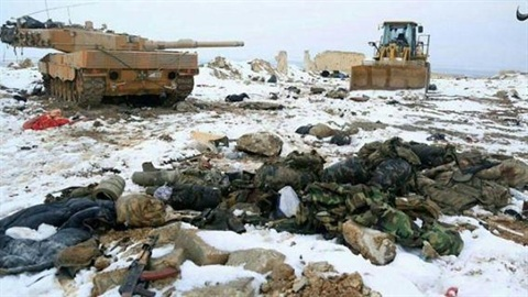 Xe tăng và máy ủi Thổ Nhĩ Kỳ bị IS tiêu diệt
