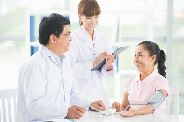 Người cao tuổi cần được khám sức khỏe định kỳ để có kế hoạch chăm sóc tốt nhất