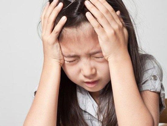 Hoảng hốt thấy con gái 8 tuổi ngực nhú dậy thì - 2