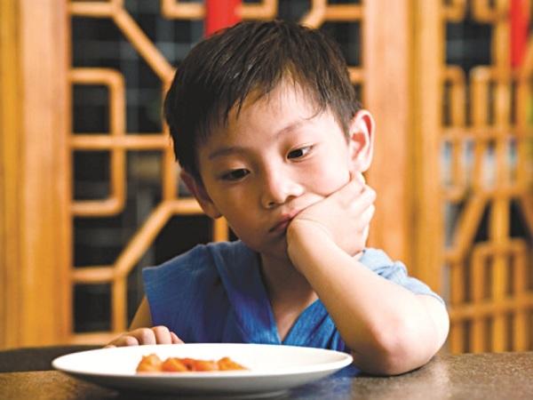 Sau ốm, trẻ thường biếng ăn (Ảnh Internet)