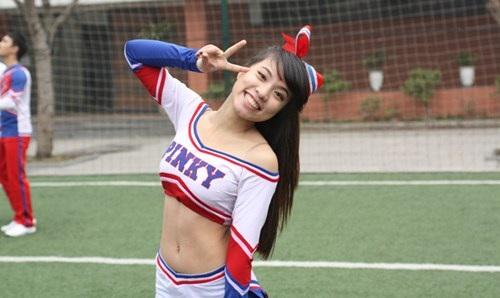 Thảo Tươi trong đồng phục đội cheerleading Pink. Ảnh: Đỗ Tặng.