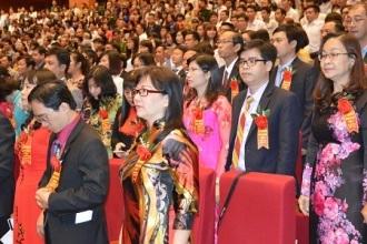 Các tân Phó giáo sư được trao giấy chức nhận năm 2015