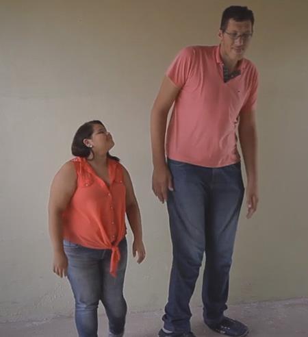 """Joelison được mệnh danh là """"người đàn ông cao nhất Brazil"""""""