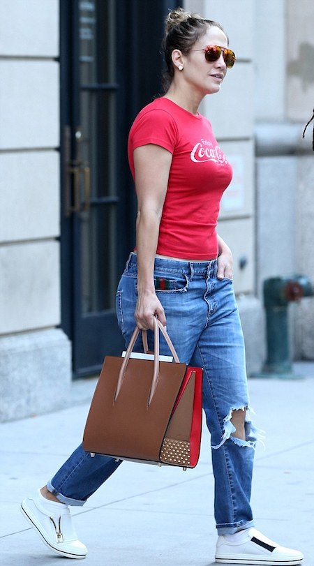 Jennifer Lopez xuất hiện với bộ dạng kém xinh hơn hẳn thường ngày