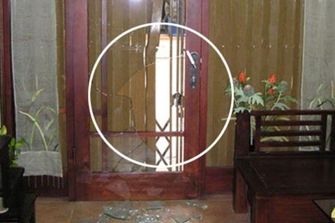 Hiện trường một vụ kẻ gian đột nhập qua cửa sổ, cửa chính vào nhà dân gây án