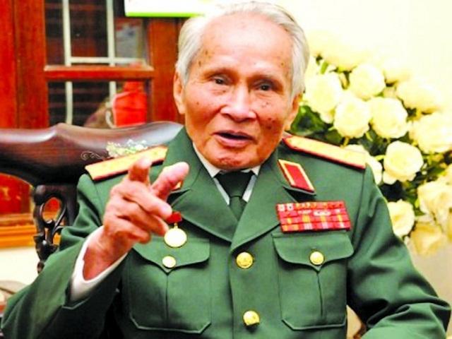 Trung tướng Nguyễn Quốc Thước – nguyên Tư lệnh Quân khu IV (Bộ Quốc phòng)