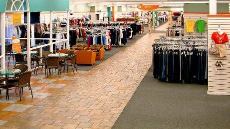 Ghé thăm cửa hàng bán hành lý bị thất lạc ở Alabama - 1