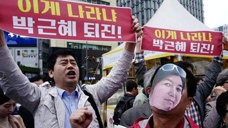 Người Hàn Quốc biểu tình đòi Tổng thống Park từ chức ngày 27-10.