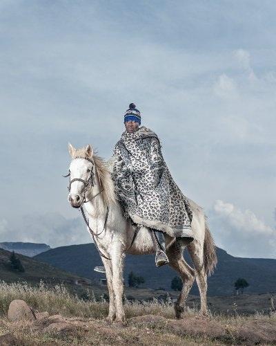 Những bức ảnh tuyệt đẹp về cuộc sống trên lưng ngựa vùng núi Lesotho - 1