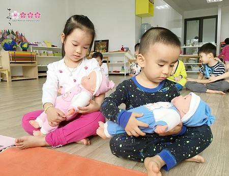 Ba mẹ áp dụng phương pháp giáo dục Montessori tại nhà thế nào? - 1