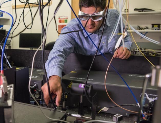 Kỹ thuật mới chụp ảnh 3D cho pin mặt trời - 1