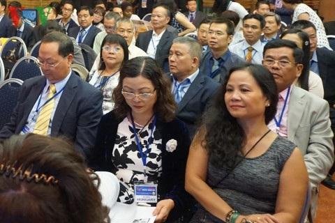 Các doanh nghiệp tham gia Diễn đàn Doanh nghiệp Việt Kiều tại châu Âu.