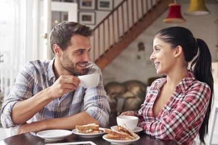 Quán cà phê không phải nơi hẹn hò lý tưởng lần đầu - 1
