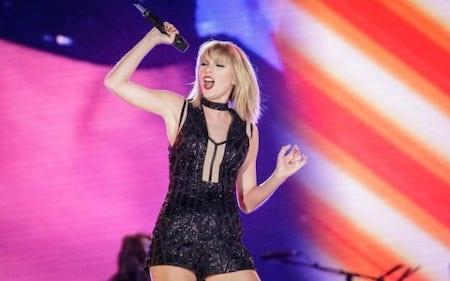 """Taylor Swift """"vô đối"""" về khả năng kiếm tiền"""