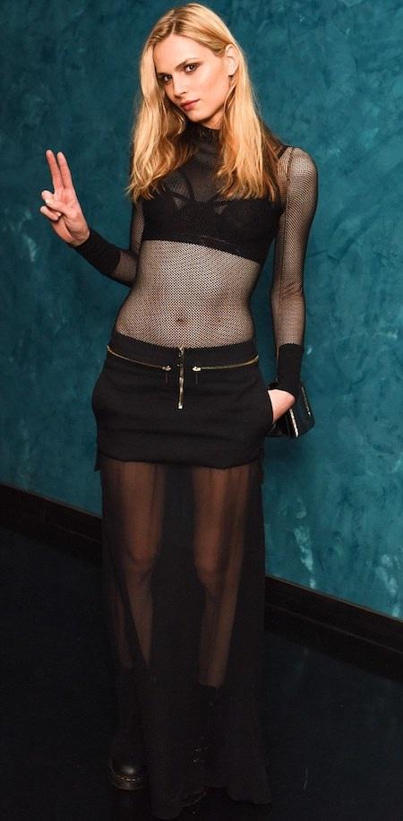 Andreja Pejic gây ấn tượng với bộ váy gợi cảm