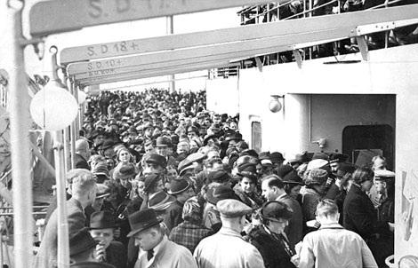 Hơn 10 nghìn hành khách chen chúc trên boong tàu Wilhelm Gustloff.