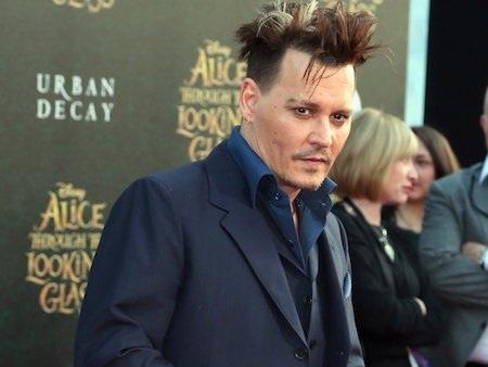 """Johnny Depp đứng đầu bảng danh sách những ngôi sao """"lương nhiều, lãi ít"""""""