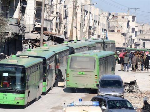 Sơ tán dân thường và phiến quân ở Aleppo.