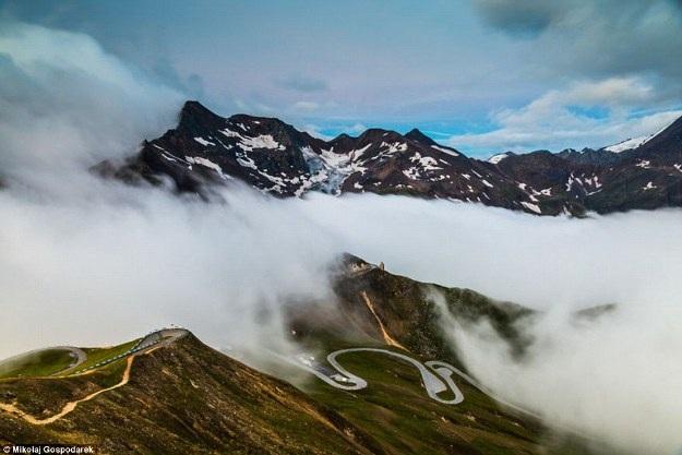 Bộ ảnh về tuyến đường đẹp nhất châu Âu khiến mọi phượt thủ si mê - 10