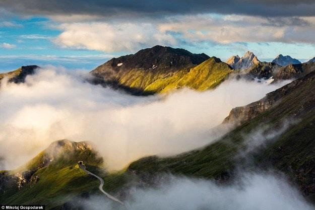 Bộ ảnh về tuyến đường đẹp nhất châu Âu khiến mọi phượt thủ si mê - 11
