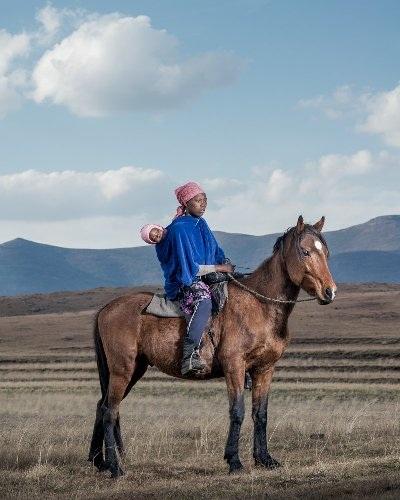 Những bức ảnh tuyệt đẹp về cuộc sống trên lưng ngựa vùng núi Lesotho - 11