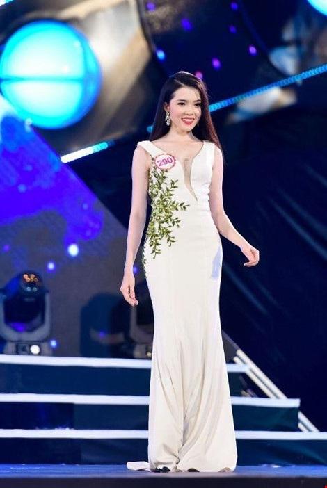 Huỳnh Thúy Vi - người đẹp giống hoa hậu Nguyễn Cao Kỳ Duyên - Ảnh 7.