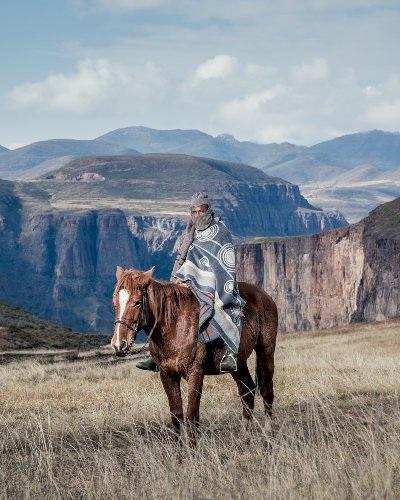 Những bức ảnh tuyệt đẹp về cuộc sống trên lưng ngựa vùng núi Lesotho - 12