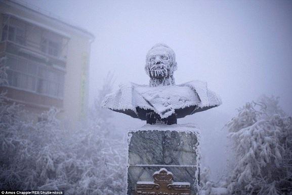 Đến thăm thị trấn có người ở lạnh nhất thế giới - 13