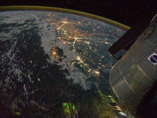 Những bức ảnh khác biệt về đường biên giới trên khắp thế giới - 14