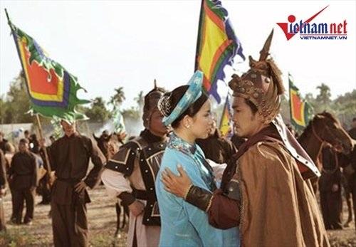 Hoa hậu Thùy Lâm có dịp hợp tác với Lý Hùng trong bộ phim cổ trang Tây Sơn hào kiệt.