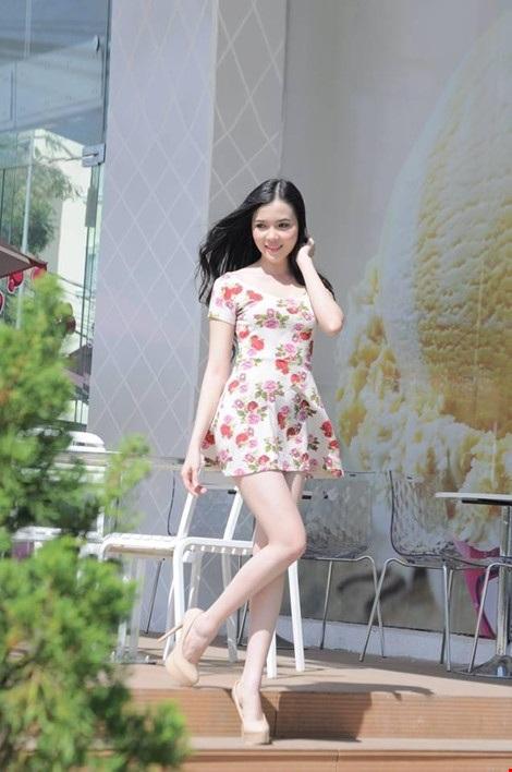 Huỳnh Thúy Vi - người đẹp giống hoa hậu Nguyễn Cao Kỳ Duyên - Ảnh 11.