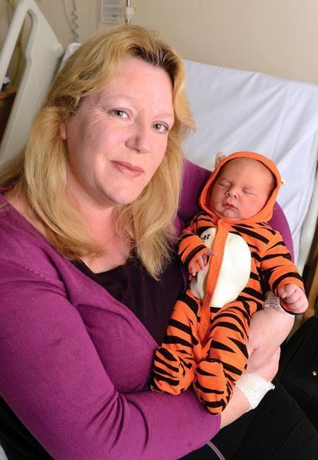 Việc có thai ở tuổi 50 với Carole chẳng khác gì mạo hiểm mạng sống của mình