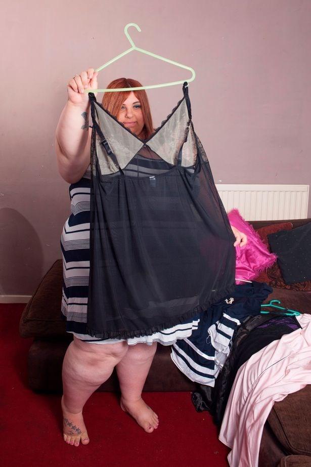 Người đẹp ngoại cỡ Defiant Sarah. (Nguồn: mirror.co.uk)