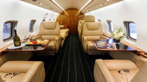 Đại gia nào đang sở hữu chiếc máy bay riêng đắt nhất thế giới? - 2