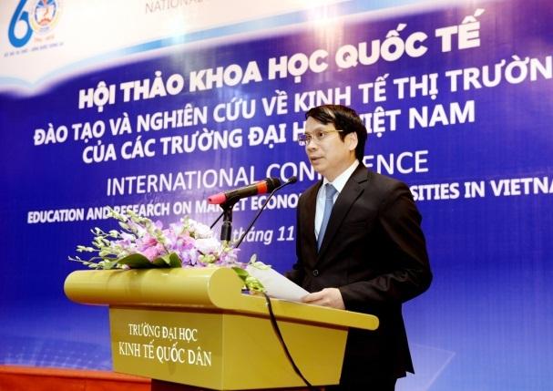 Thứ trưởng Bộ GD&ĐT Phạm Mạnh Hùng