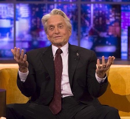"""Nam tài tử vui vẻ trò chuyện trong chương trình """"Jonathan Ross show"""""""