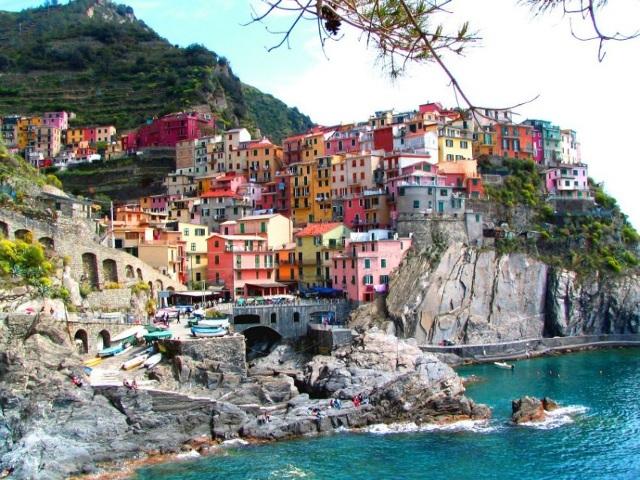 Du khách Trung Quốc gây phẫn nộ vì bắt nhím biển ở Italy - 2