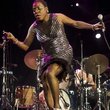 Sự ra đi của Sharon Jones khiến các fan hâm mộ phải nghẹn ngào