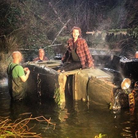 """Từ một """"sắc đẹp vĩnh cửu"""", Blake Lively bất ngờ rơi vào cảnh bết bát trong một cảnh quay của bộ phim """"Age of Adaline"""""""