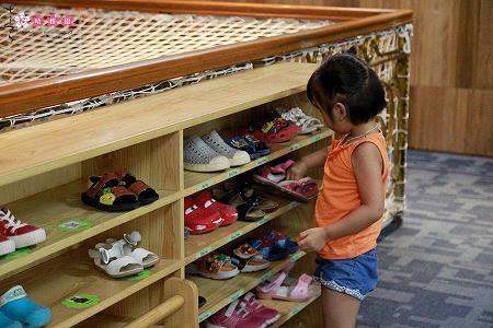 Ba mẹ áp dụng phương pháp giáo dục Montessori tại nhà thế nào? - 2