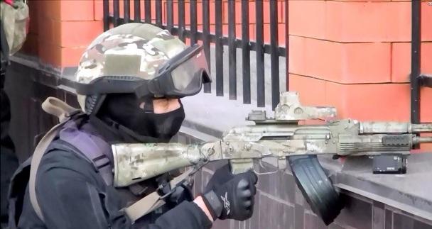 An ninh Nga tấn công tiêu diệt cha con trùm khủng bố - 3