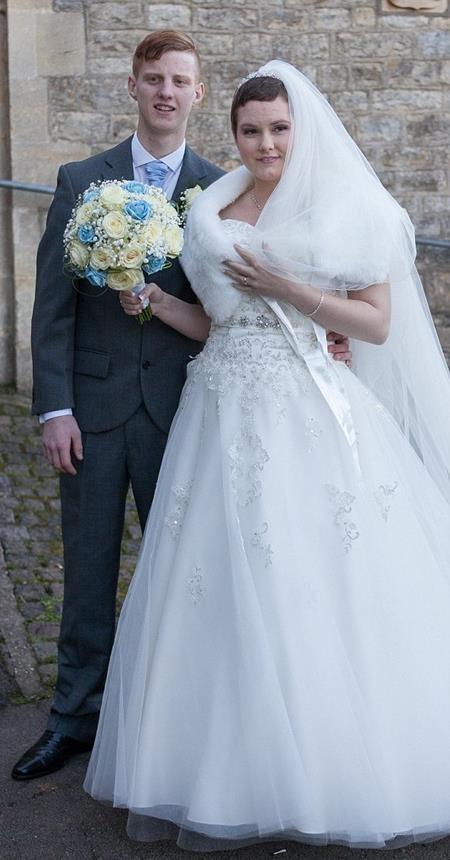 Callum và Amber là bạn thanh mai trúc mã nhiều năm trước khi hẹn hò rồi kết hôn