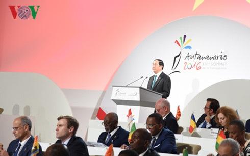 Chủ tịch nước phát biểu tại lễ khai mạc Hội nghị Cấp cao Pháp ngữ lần thứ 16.