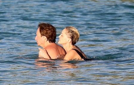 Sharon Stone hạnh phúc hẹn hò với bạn trai